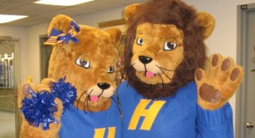Hofstra Mascots; Kate and Willie Pride